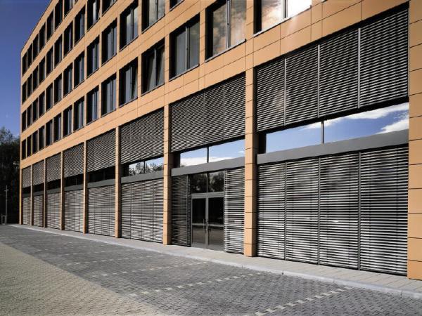 rafshtory-exterior-shutters-facade-blinds-4